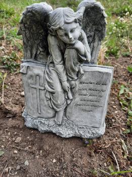 Gartenfigur Engel Adoil