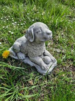 Gartenfigur Hund Egon